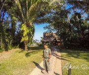 Амазонские джунгли, нас встречает приветливый персонал одного из самых респектабельных отелей в джунглях