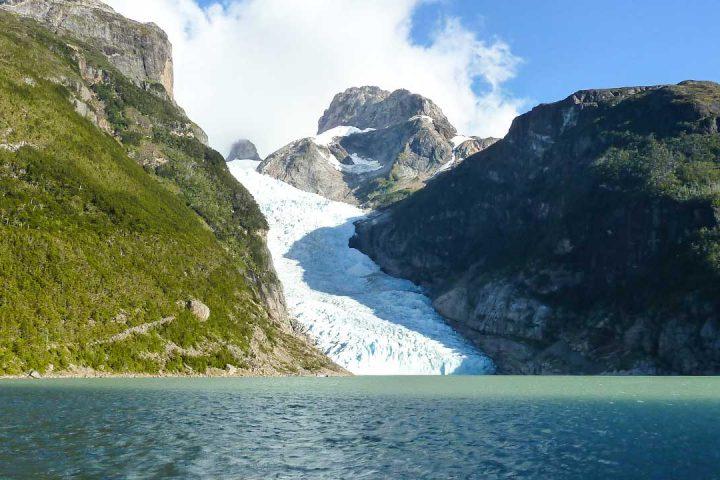 Чили - Патагония - Живописный высокогорный ледник. Высота около 4500 метров.
